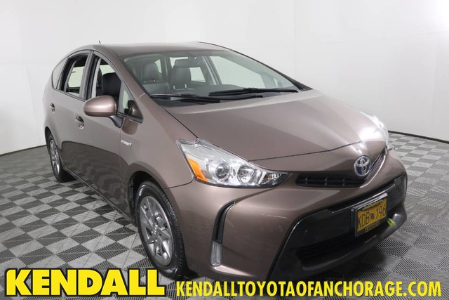 Certified Pre-Owned 2017 Toyota Prius v Four