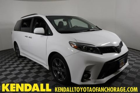 Pre-Owned 2018 Toyota Sienna SE